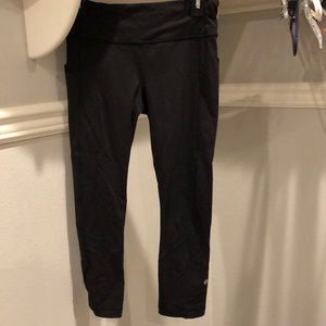 Lulu crop leggings